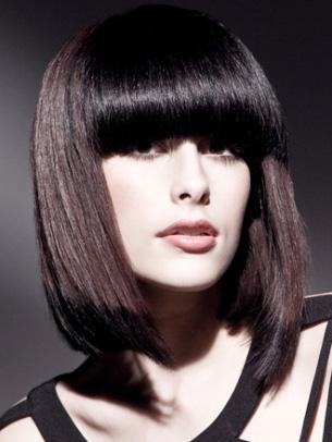 Seksi frizurat për flokë të shkurtër dhe të mesëm