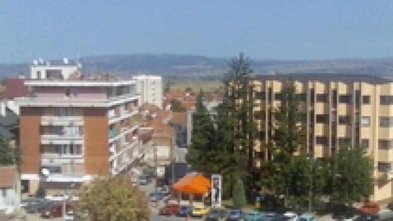 Lugina vlerëson kushtëzimin e vizitave të zyrtarëve serbë në Kosovë