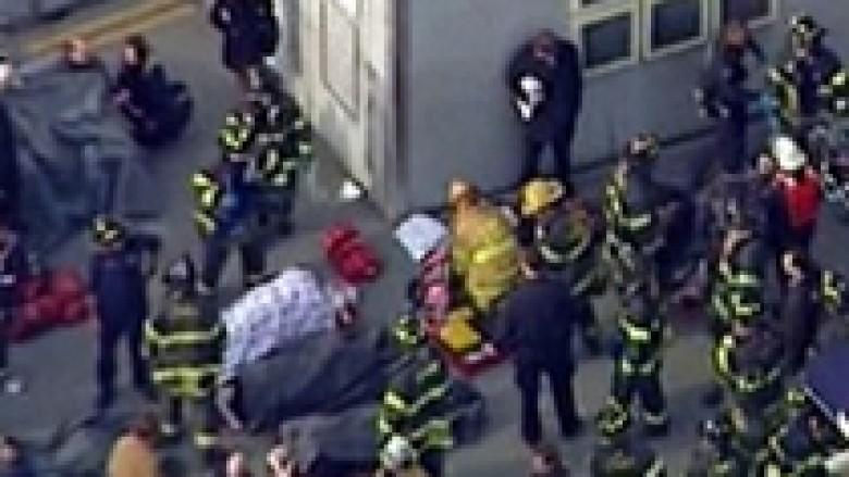 Përplaset trageti, 50 të plagosur në New York