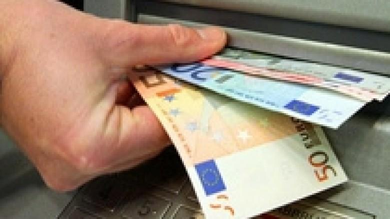 Shqipëri, administrata publike merr pagën e dhjetorit