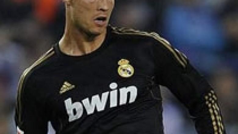 Ferguson: Ronaldo është kompletuar te Reali
