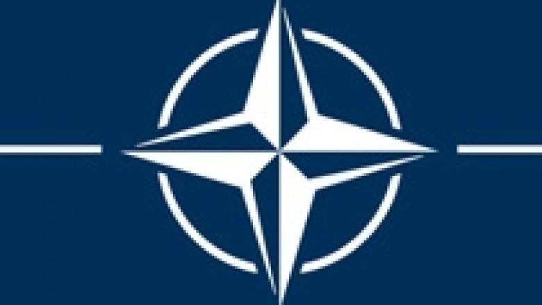 NATO: KFOR-i mbetet në Kosovë