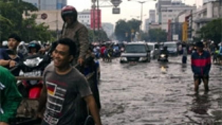 Indonezi: 11 të vdekur nga përmbytjet në Indonezi