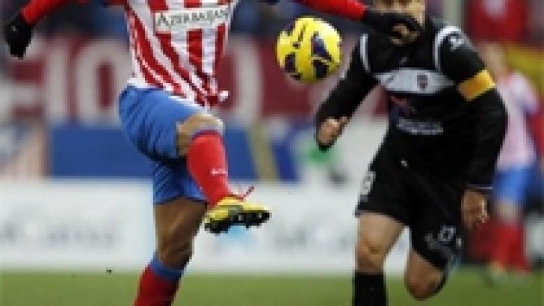 Atletico më afër Barcës, lëndohet Falcao