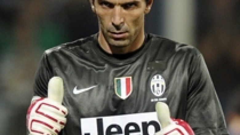 Buffon rinovon kontratën