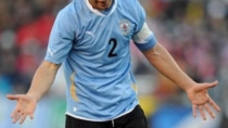 Malaga kompleton transferimin e Luganos