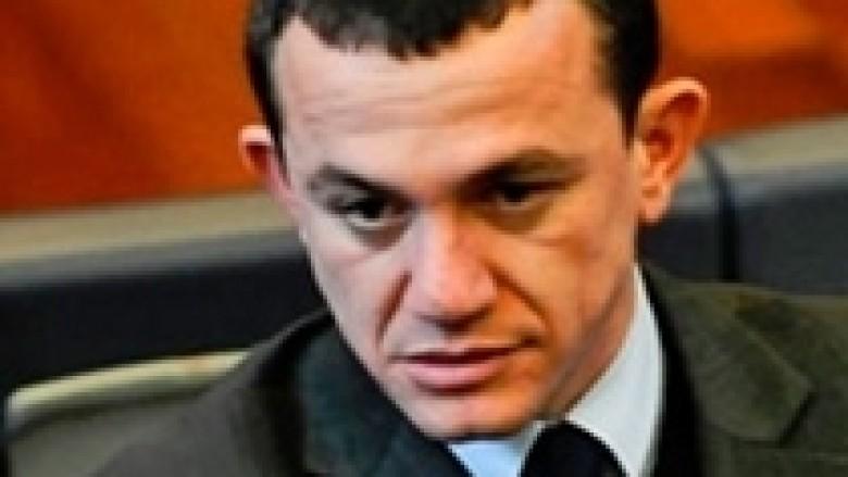 Buzhala, breshëri akuzash ndaj bashkëpartiakëve
