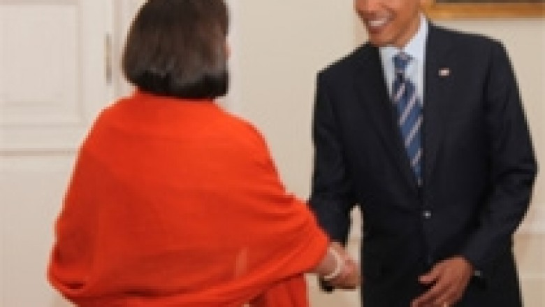 Obama uroi presidenten Atifete Jahjaga