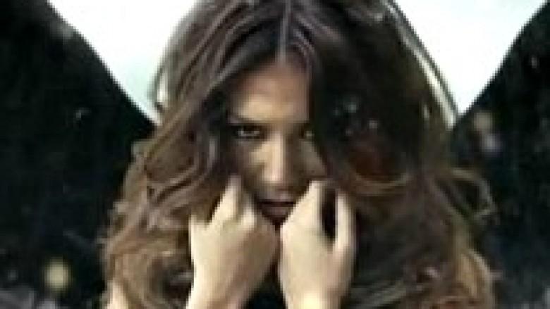"""Elvana Gjata më ndryshe me """"Fake"""" (Video)"""