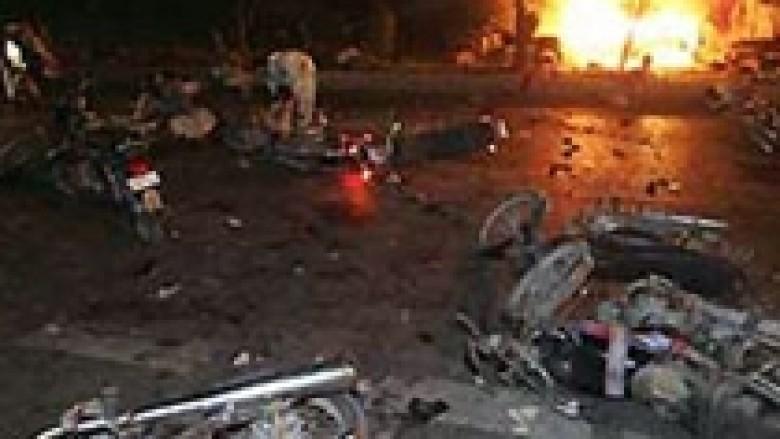 Pakistan, 47 të vrarë nga sulmi me bombë