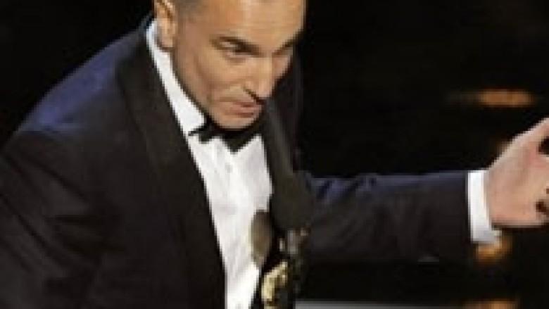 Çmimet Oskar: Day-Lewis shkruan histori
