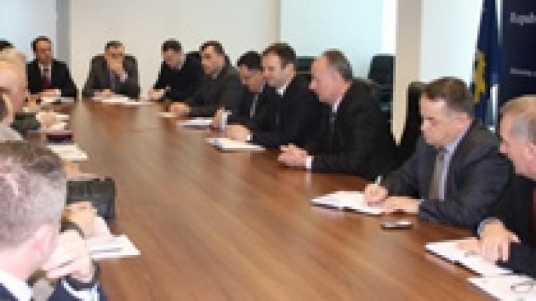 Kuçi takoi drejtorët e institucioneve korrektuese