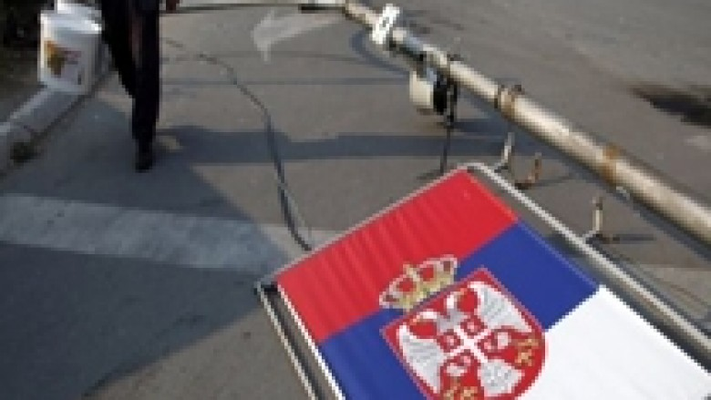 Serbët e veriut paralajmërojnë trazira