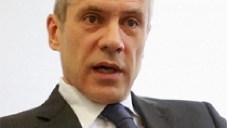 Tadic: Të gjendet zgjidhje e qëndrueshme me Kosovën