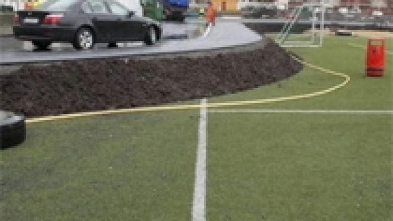 Ndërtuan rrugë në stadium