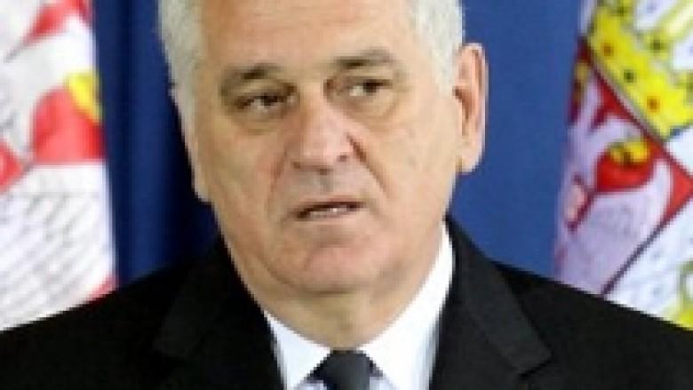 Nikolic: Serbia më e fortë se NATO-ja në Kosovë