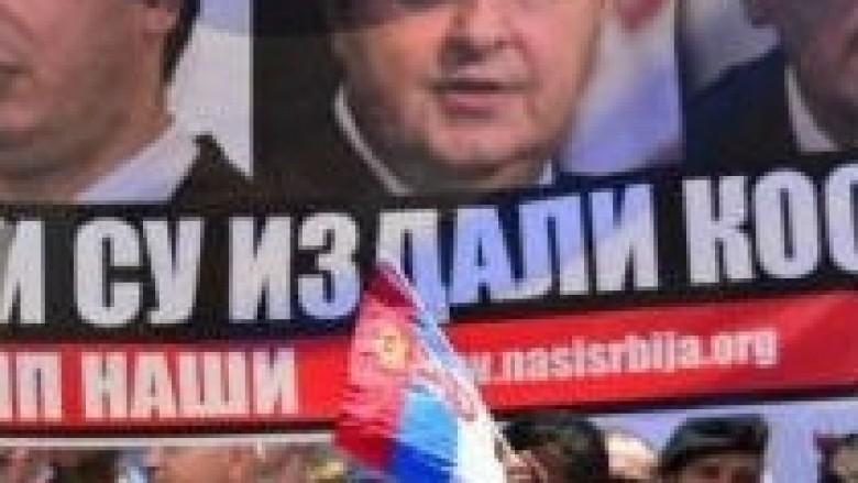 """""""Tradhtarët"""" serbë në pllakate nëpër veri"""