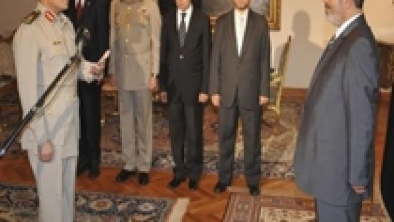 Shefi i ushtrisë egjiptiane kërkon dialog ndërmjet palëve