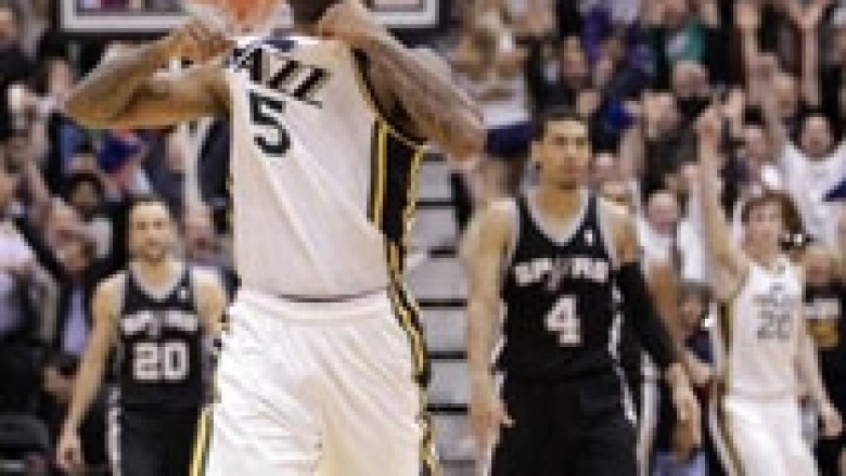 NBA: Jazz tronditin Spursat
