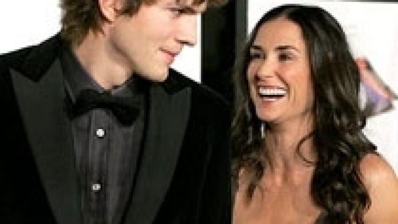 Ashton Kutcher në pushime me Mila Kunis