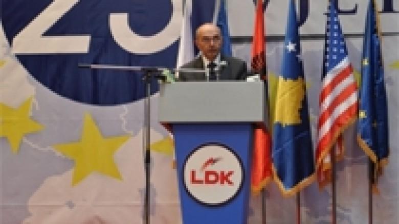 Mustafa: Simbolet e propozuara nga presidenti Rugova, t'i bëjmë shtetërore