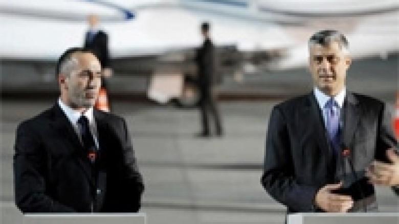 PDK e AAK duan koalicionin, por nuk lëshojnë postin e kryeministrit