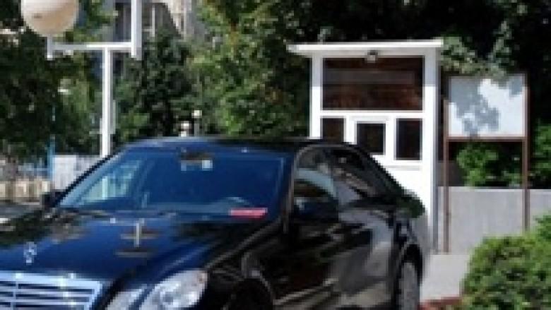"""Korrupsioni lë Kosovën pa """"Mercedes"""""""