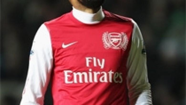 Arsenali shpreson në huazimin e Henry