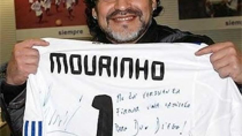 Maradona: Mourinho, një nga më të mirët
