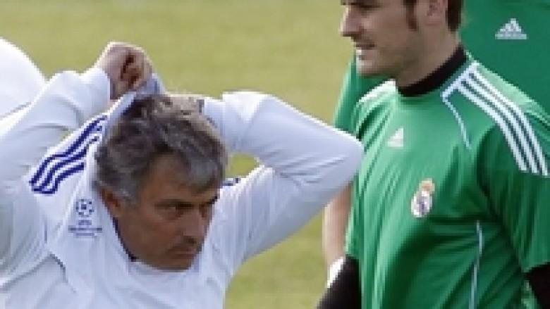 Mourinho: Nuk e shoh Casillasin si monument