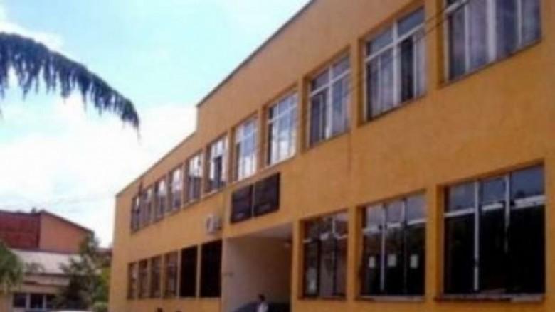 Vazhdon bojkoti i mësimit në gjimnazin e Tetovës