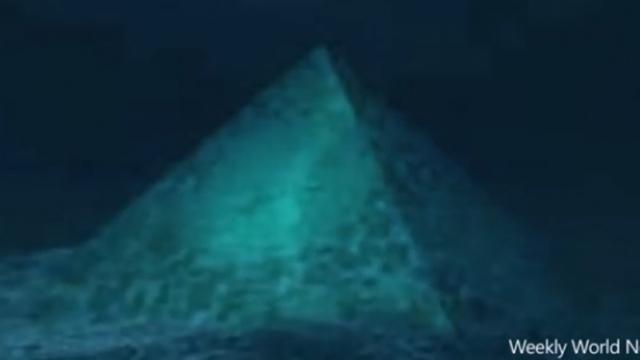 Proč mizí letadla v Bermudském trojúhelníku? Může za to podmořská pyramida, dle jedné teorie