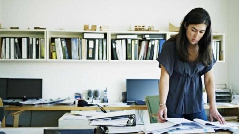Pesë mënyra për të qenë më produktivë në zyrë