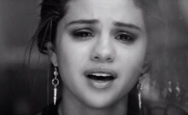 Selena Gomez thyen çdo parashikim në Instagram