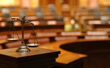 Tre qytetarë të Manastirit dënohen me 10 vite burg për keqtrajtim të refugjatëve