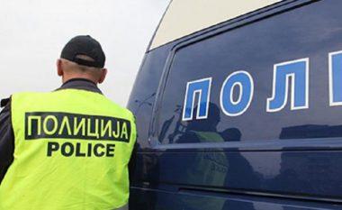 Ekip i përzier policor zbulon emigrantë në kamion