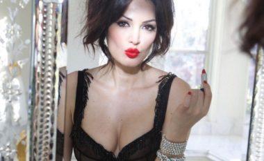Bleona Qereti përkrah aktorit rus, a do të bëjë seks si me Van Damin? (Foto)