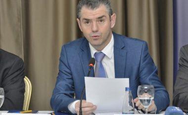 Ministri Shala uron Prishtinën