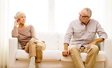 Femrat jetojnë më gjatë se meshkujt, ja përse