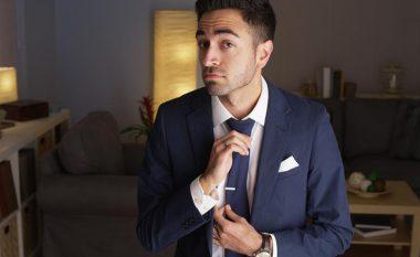 Njëherë e përgjithmonë mësoni të lidhni kravatën – për 10 sekonda (video)