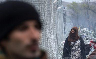 Gjenden 12 migrantë ilegal në 'Lada Niva' në Gjevgjeli (Foto)