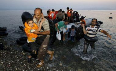 Kjo është fotografia e fëmijës së mbytur në det që ka tronditur botën (Foto)