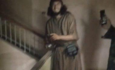 Xhihadisti shqiptar Gëzim Kllokoçi, filmohet duke hedhur bombën (Foto/Video)