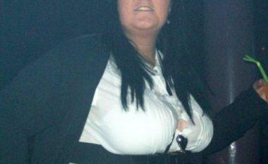 Kishte hyrë në kredi për të blerë ushqim dhe alkool, por pasi humbi 64 kilogramë ajo duket një seksi femër (Foto)
