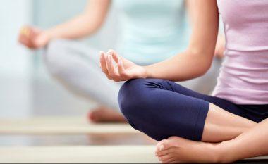 Përtoni të bëni joga? Pasi t'i lexoni këto përfitime shëndetësore menjëherë do të filloni sesionin e parë