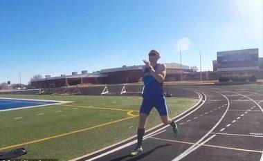 Thyen rekordin në vrapimin më të shpejtë së prapthi (Video)