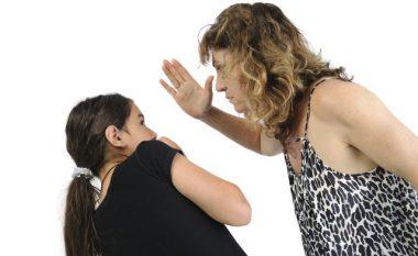 Shpulla: E dëmton apo 'disiplinon' fëmijën?