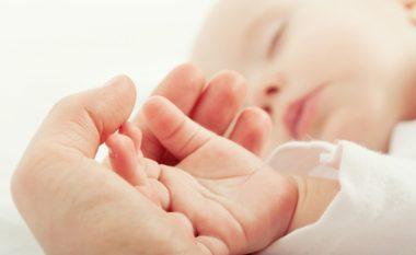 Bebet kanë nevojë për kontakt fizik më shumë se që mund të imagjinoni!