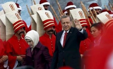 Manifestimi masiv për pushtimin e Konstantinopojës, si mjet për qërim hesapesh: Gjithçka po shkon sipas planeve të Erdoganit