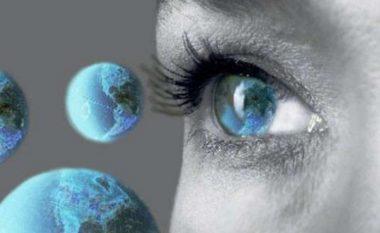 Njerëzit me sy të kaltër e kanë një gjë të përbashkët